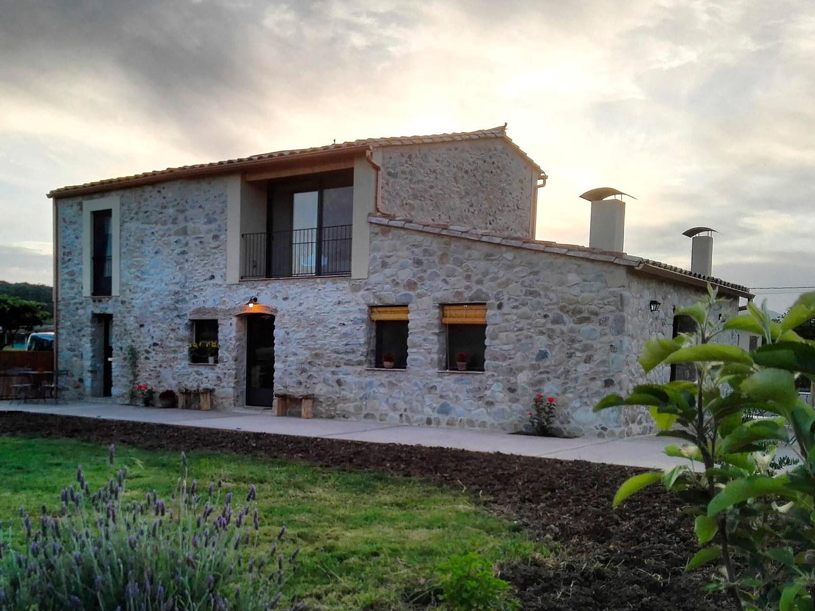 CAN PARES casa turisme rural Girona Sant Gregori