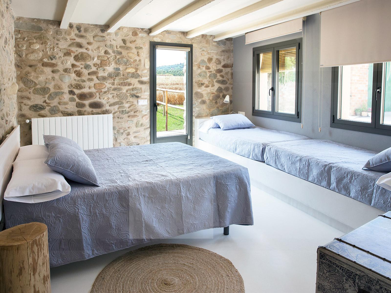 CAN PARES casa turisme rural Girona Sant Gregori Habitació El Taller