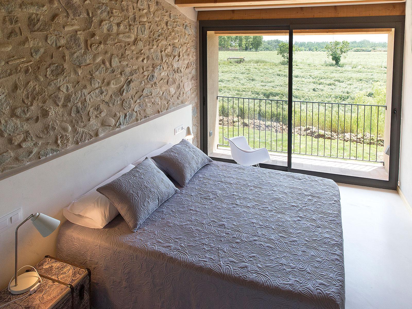 CAN_PARES_casa_turisme_rural_habitacio_Les_Nous_vista