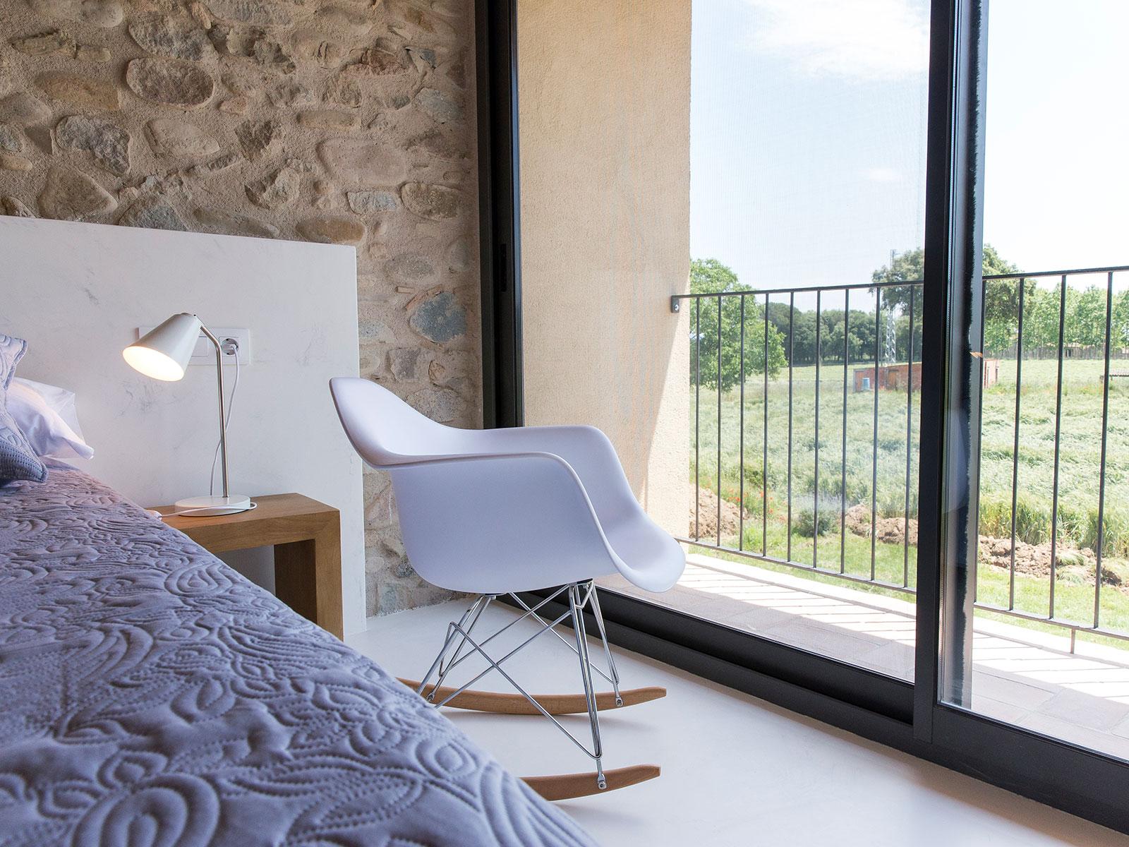 CAN_PARES_casa_turisme_rural_habitacio_Les_Nous_vista_2